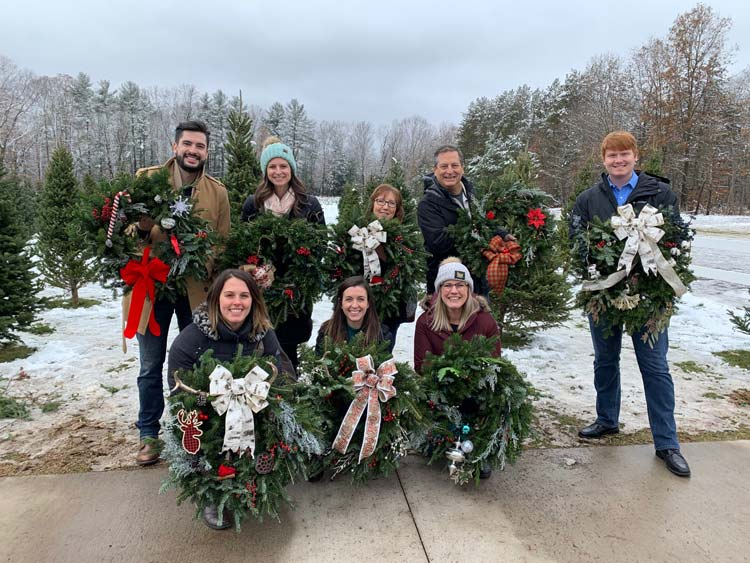 2019-wreaths-scaled